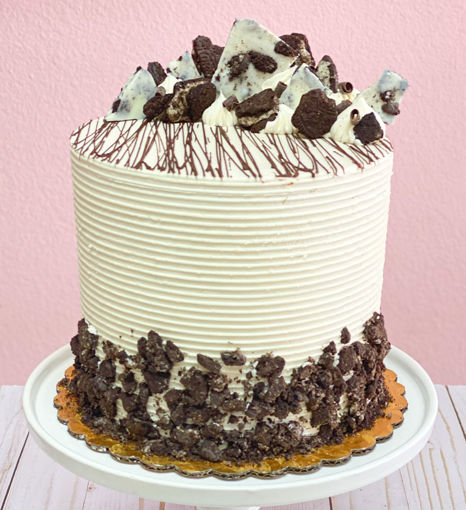Oreo Cream Cake By Sweet Traders