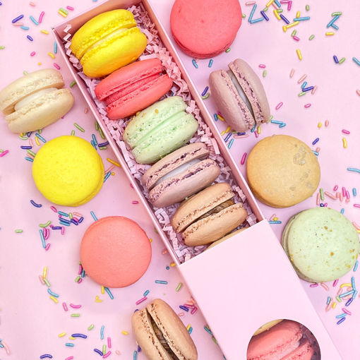 Easter-Macarons-By-Sweet-Traders.