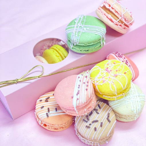 Mothers-Day-Decorated-Macarons-By-Sweet-Traders